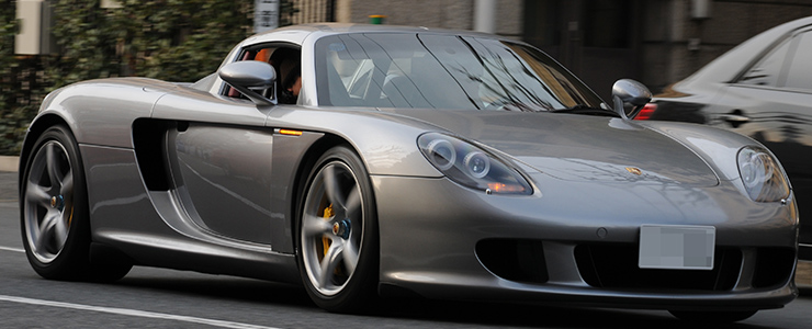 カーシェアなら夢の高級車もお手軽に乗れる